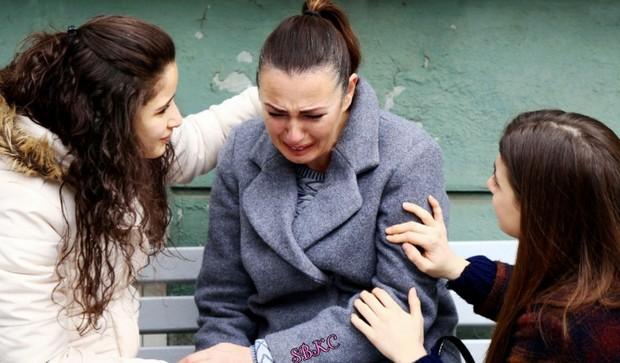 фото одной из плачущих героев 26 серии сериала обиженные цветы
