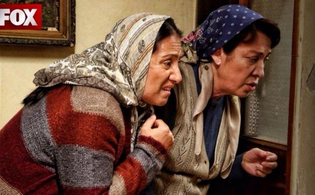 Фото подслушивающих бабушек в 52 серии сериала Это моя жизнь