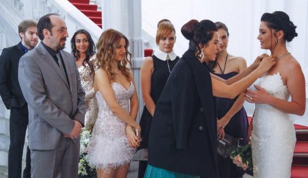 Фото со свадьбы в 51 серии сериала Вдребезги