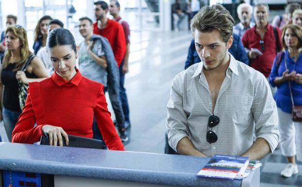 фото из аэропорта в 71 серии сериала Вдребезги