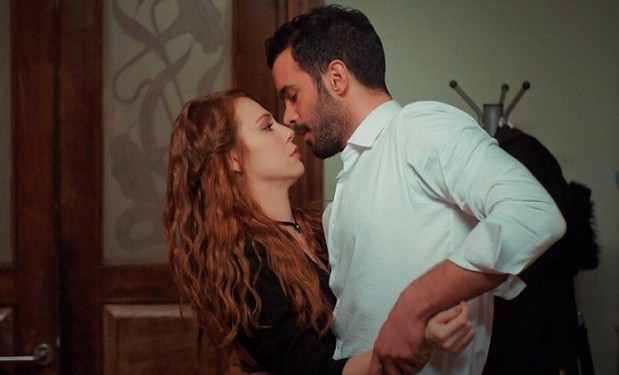 Фото Омера и Дефне в 63 серии Любовь напрокат