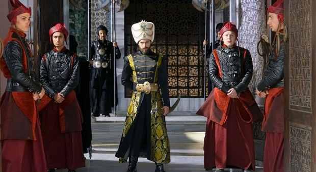 Промо фото к краткому содержанию 33 серии Кёсем Султан