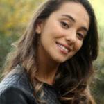 Фото турецкой актрисы Дуйгу Сарышын