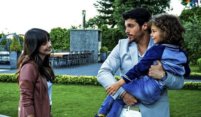 Промо фото к турецкому сериалу Полнолуние 1 серия